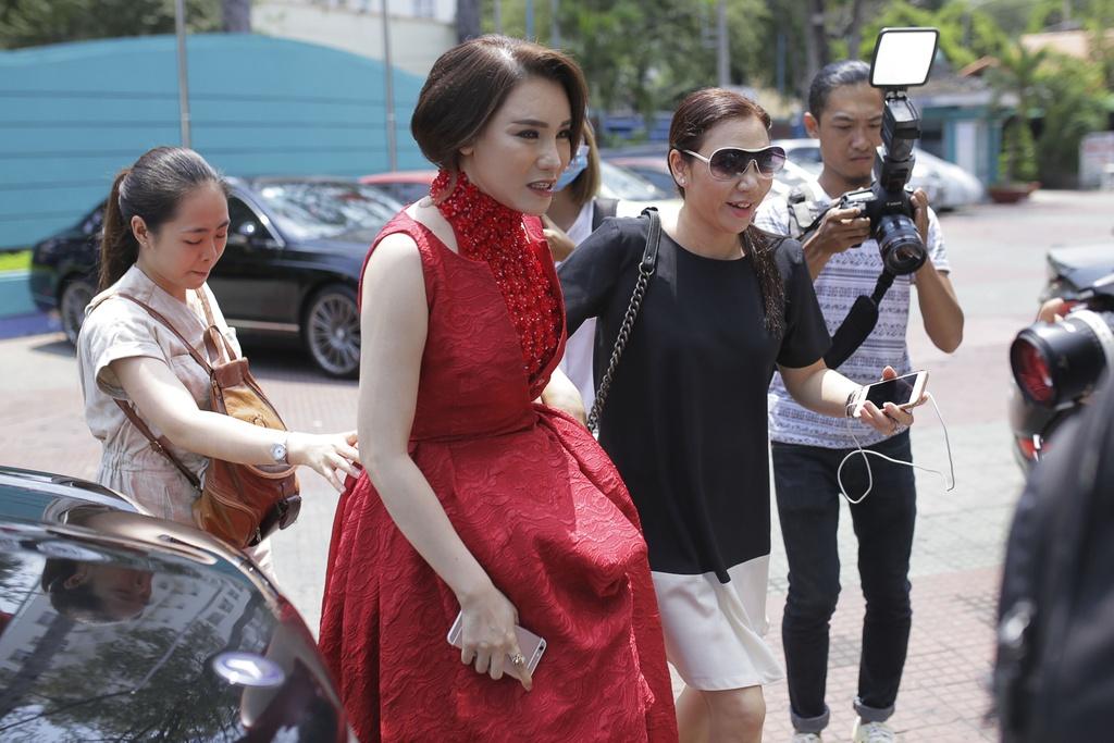 Thanh Lam thay Ho Ngoc Ha ngoi ghe nong X Factor hinh anh 3