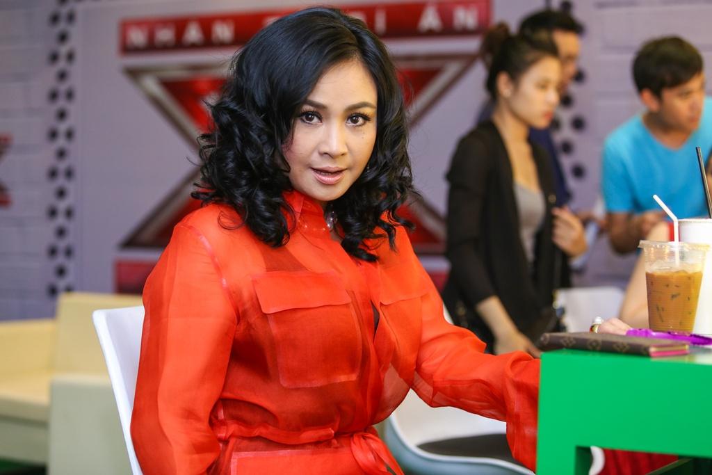 Thanh Lam thay Ho Ngoc Ha ngoi ghe nong X Factor hinh anh 6