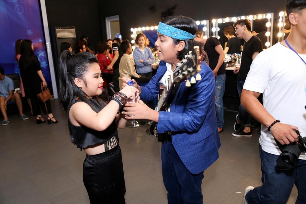 Giam khao Vietnam Idol Kids be bong thi sinh nhi hinh anh 7