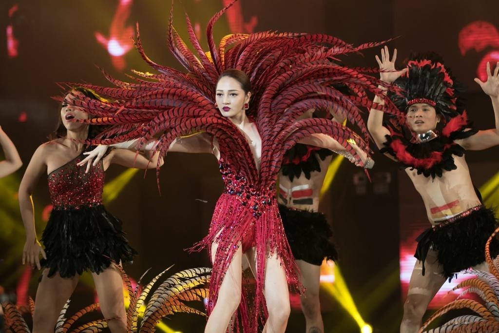 Ho Ngoc Ha hat hit Say tinh cua Dam Vinh Hung anh 19