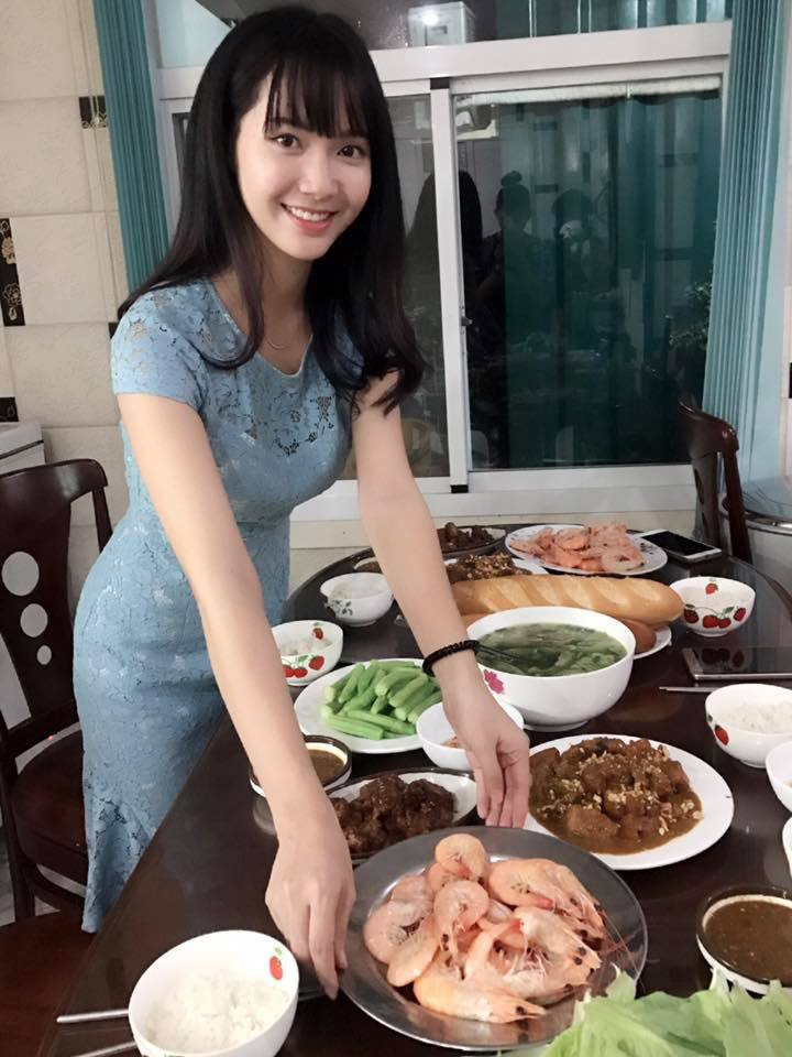 Hot girl bolero: 'Anti-fan noi toi chan dai, nao ngan' hinh anh 4