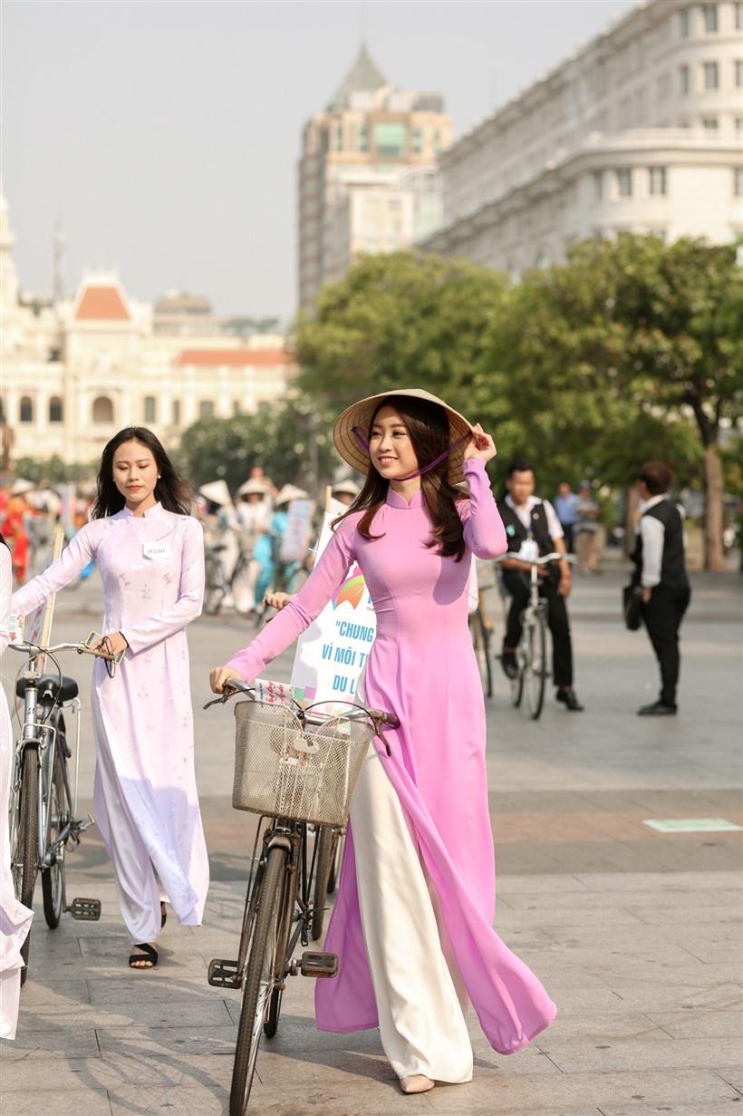 Hoa hau My Linh Le hoi ao dai anh 2