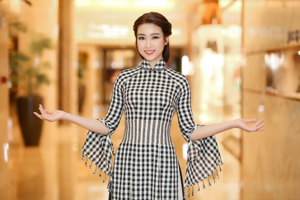 Hoa hau My Linh dien ao dai doc dao di cham thi hinh anh 6