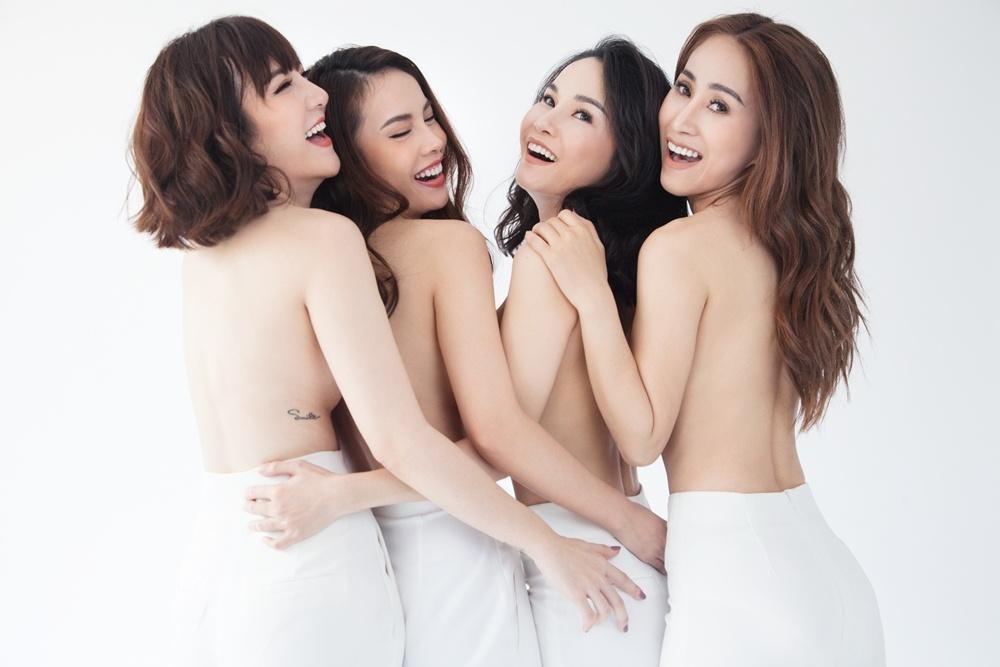 Nhom May Trang chup anh nude nhan dip tai hop tren san khau hinh anh 1