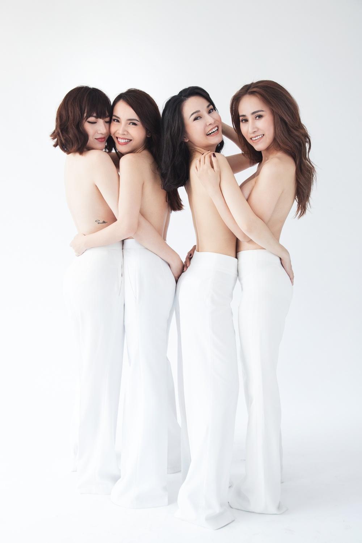 Nhom May Trang chup anh nude nhan dip tai hop tren san khau hinh anh 2