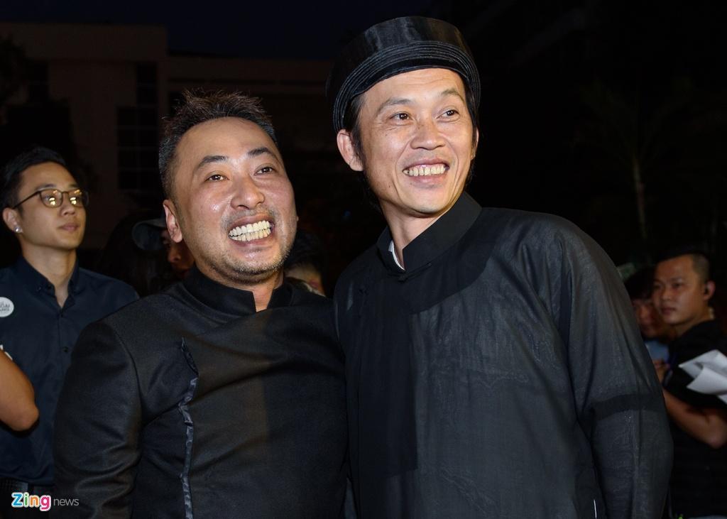 Hoai Linh va dan sao Viet tren tham do ra mat phim 'Da co hoai lang' hinh anh 2