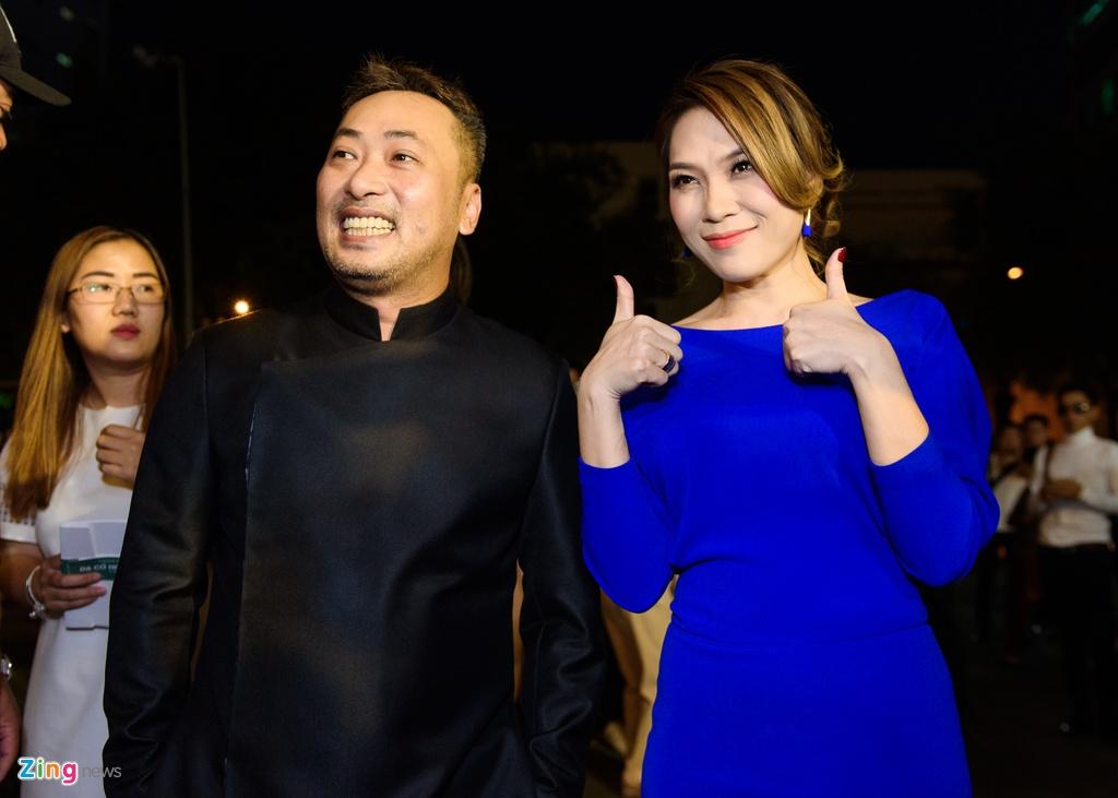 Hoai Linh va dan sao Viet tren tham do ra mat phim 'Da co hoai lang' hinh anh 4