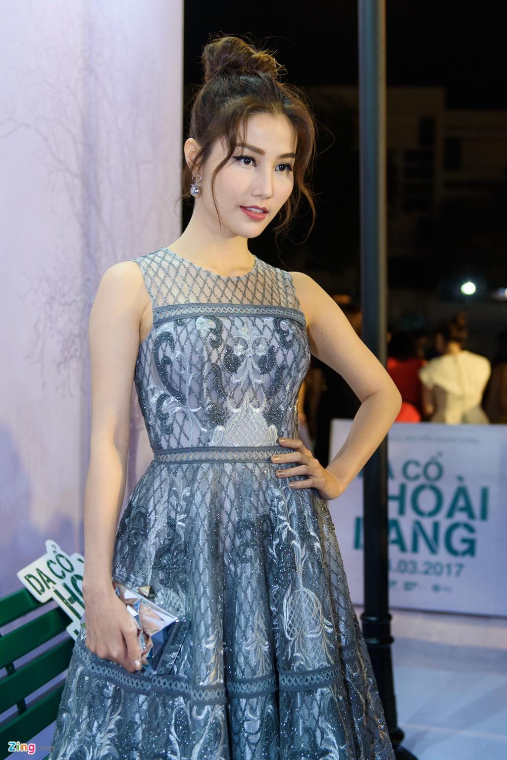 Hoai Linh va dan sao Viet tren tham do ra mat phim 'Da co hoai lang' hinh anh 8
