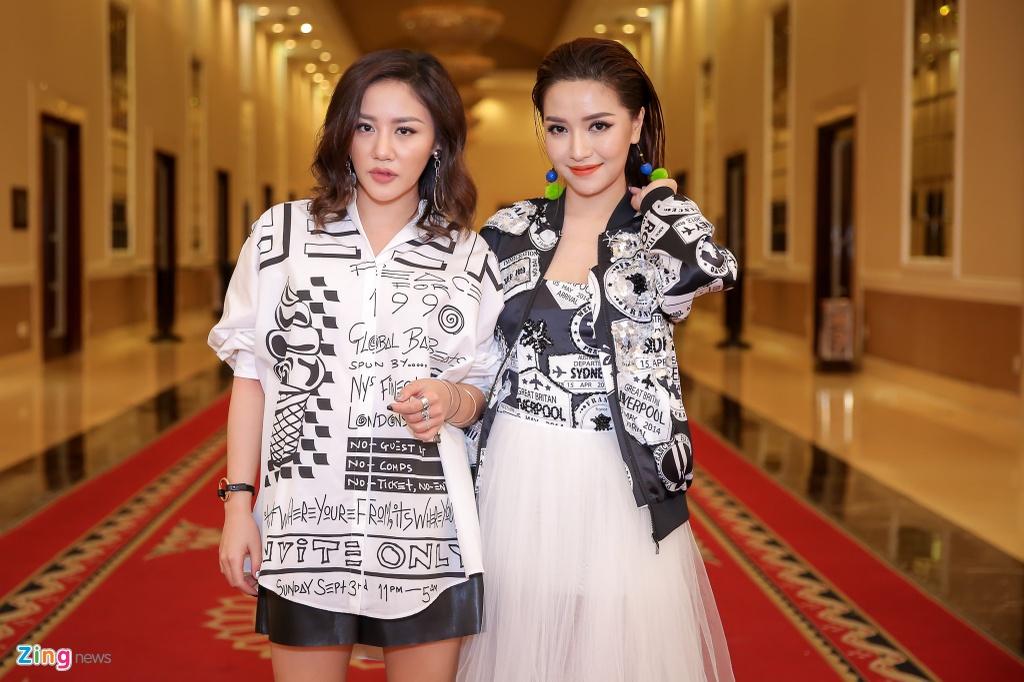 Giam khao Vietnam Idol Kids hot hoang khi bi thi sinh bao vay hinh anh 8