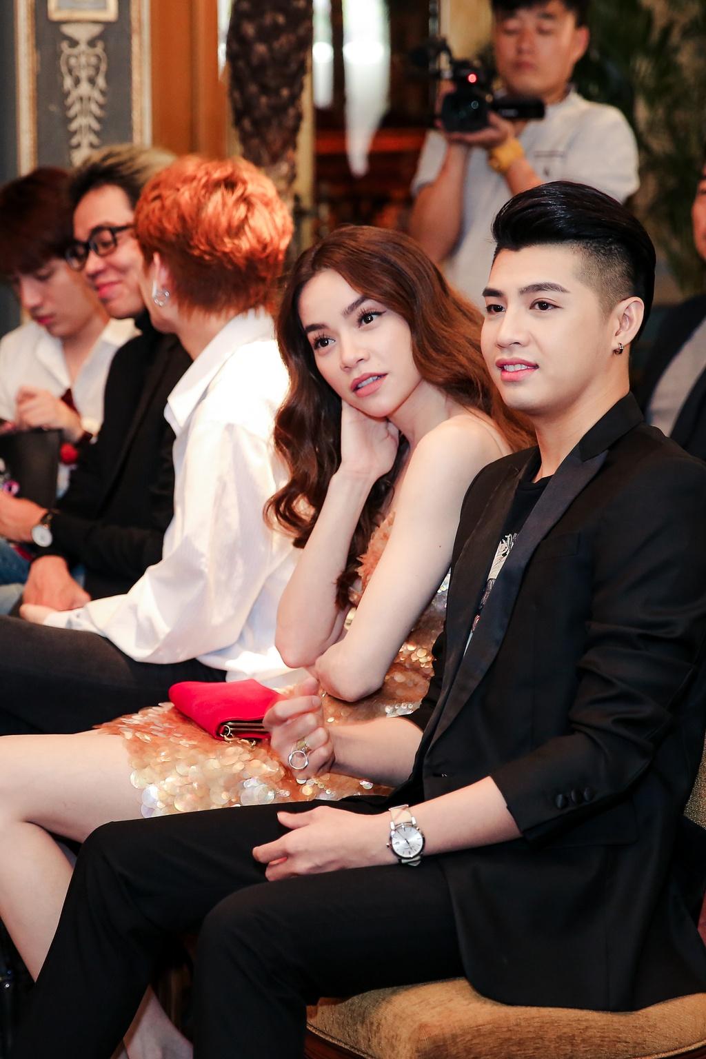 Ho Ngoc Ha dien vay hon 130 trieu dong di su kien hinh anh 7