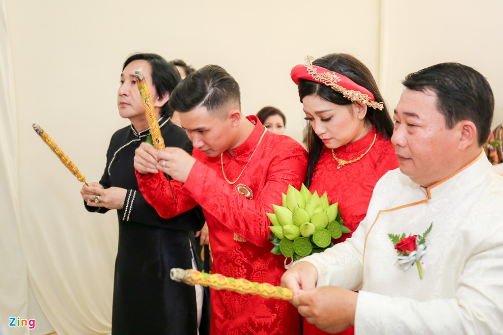 Kim Tu Long va vo cu vui ve trong le cuoi con gai dau long hinh anh 2