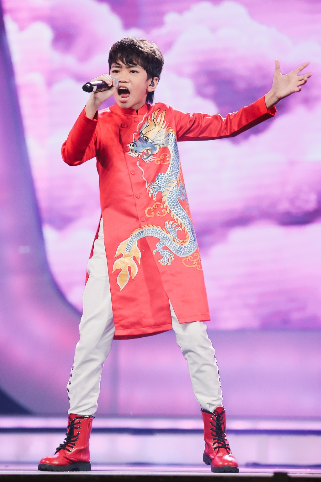 Minh Hang 'muon sinh con ngay lap tuc' vi hot boy Vietnam Idol Kids hinh anh 9