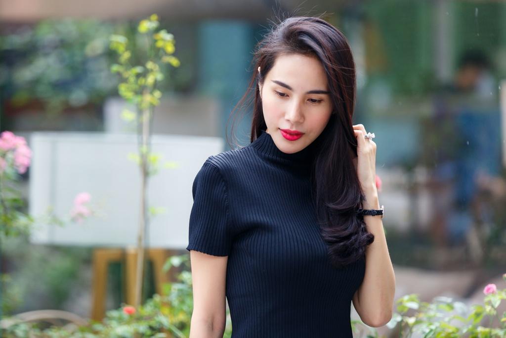 Thuy Tien: 'Toi lam tu thien con bi chui, noi gi den viec hat bolero' hinh anh 3