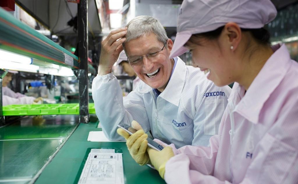 Tim Cook: 'iPhone la con ga de trung vang cua Apple' hinh anh 4