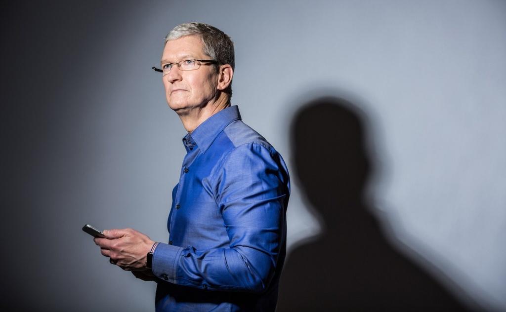 Tim Cook: 'iPhone la con ga de trung vang cua Apple' hinh anh 3
