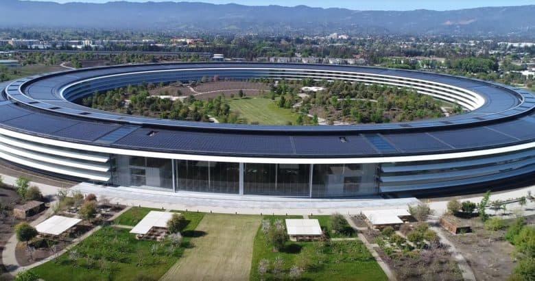 Tim Cook lam CEO Apple tot hon Steve Jobs? hinh anh 9