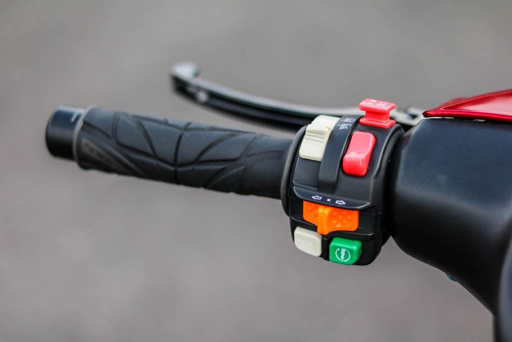 Yamaha Z125 do do choi hang hieu cua biker Vinh Long hinh anh 4