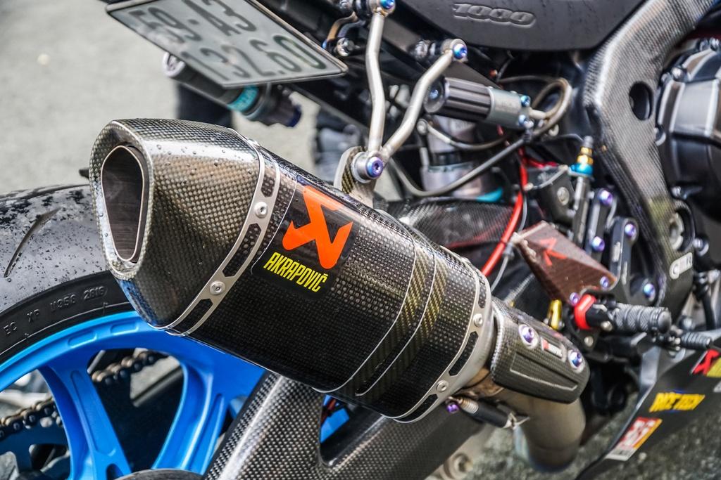 Suzuki GSX-R1000 cua biker Sai Gon voi goi do xe dua hon 500 trieu hinh anh 8