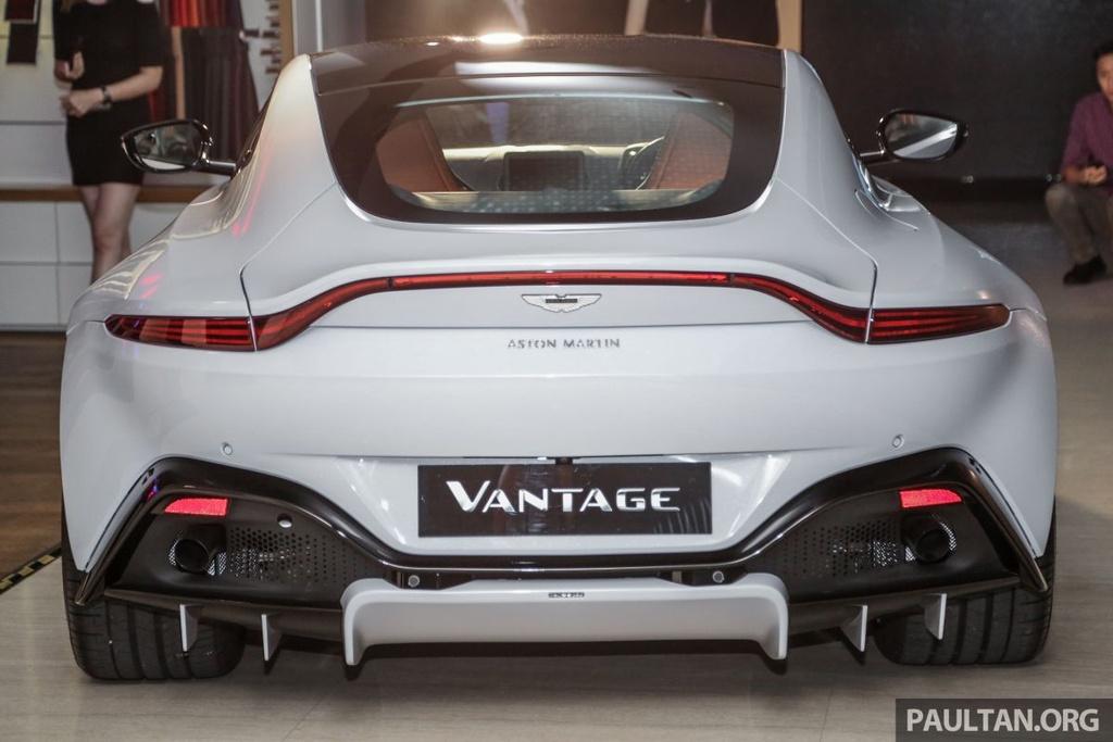 Aston Martin V8 Vantage 2018 gia tu 390.000 USD tai Malaysia hinh anh 4