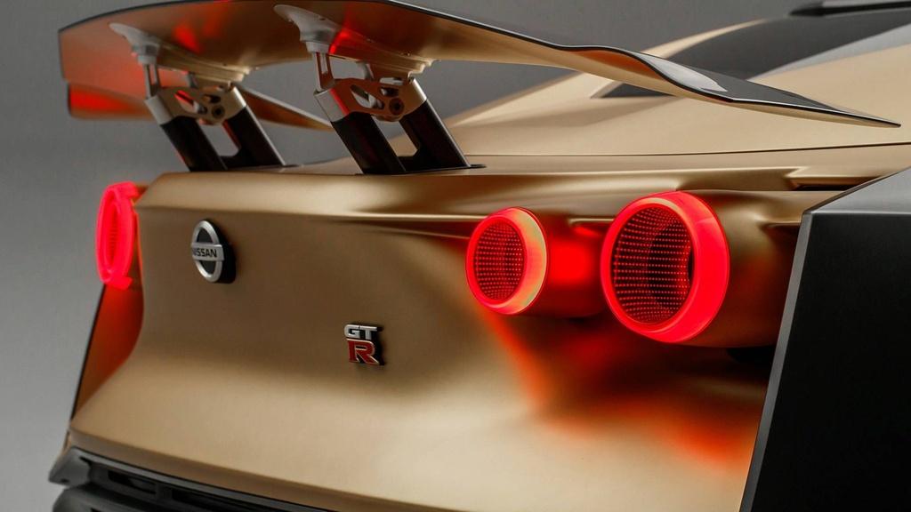 Nissan GT-R lot xac duoi ban tay hang thiet ke Italy hinh anh 7