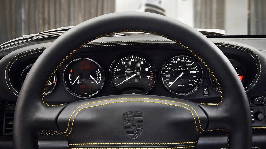 Xe co hoi sinh cua Porsche chot gia 3,1 trieu USD chi sau 10 phut hinh anh 9