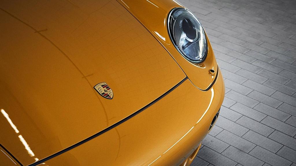 Xe co hoi sinh cua Porsche chot gia 3,1 trieu USD chi sau 10 phut hinh anh 3