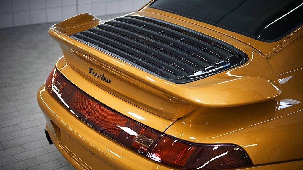 Xe co hoi sinh cua Porsche chot gia 3,1 trieu USD chi sau 10 phut hinh anh 4