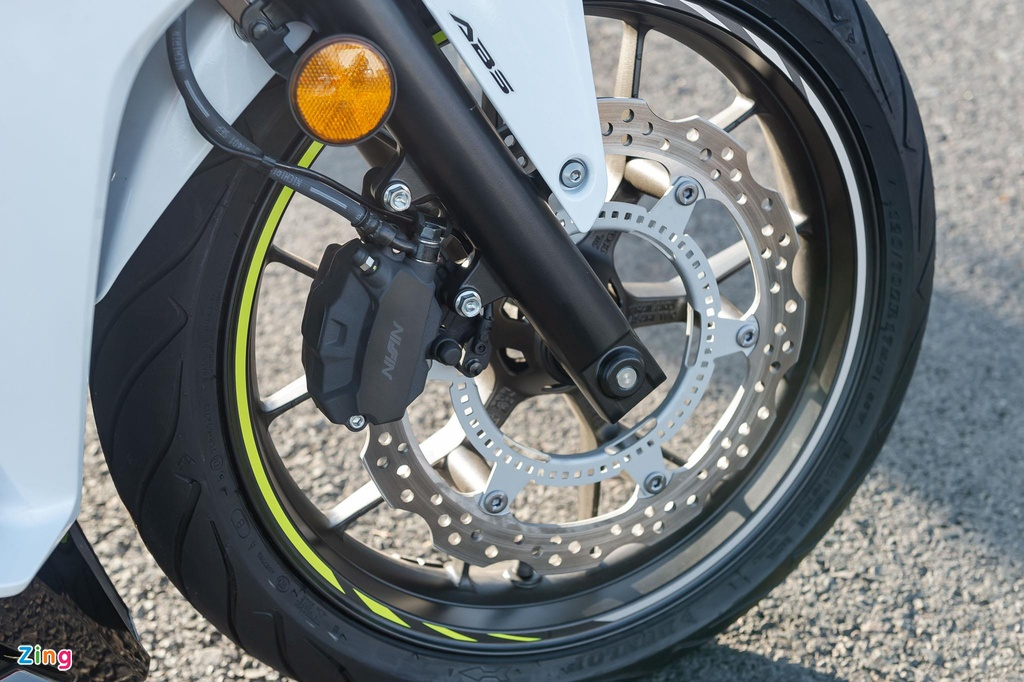 Can canh Honda CBR500R 2019 vua ve dai ly, gia 187 trieu dong hinh anh 7