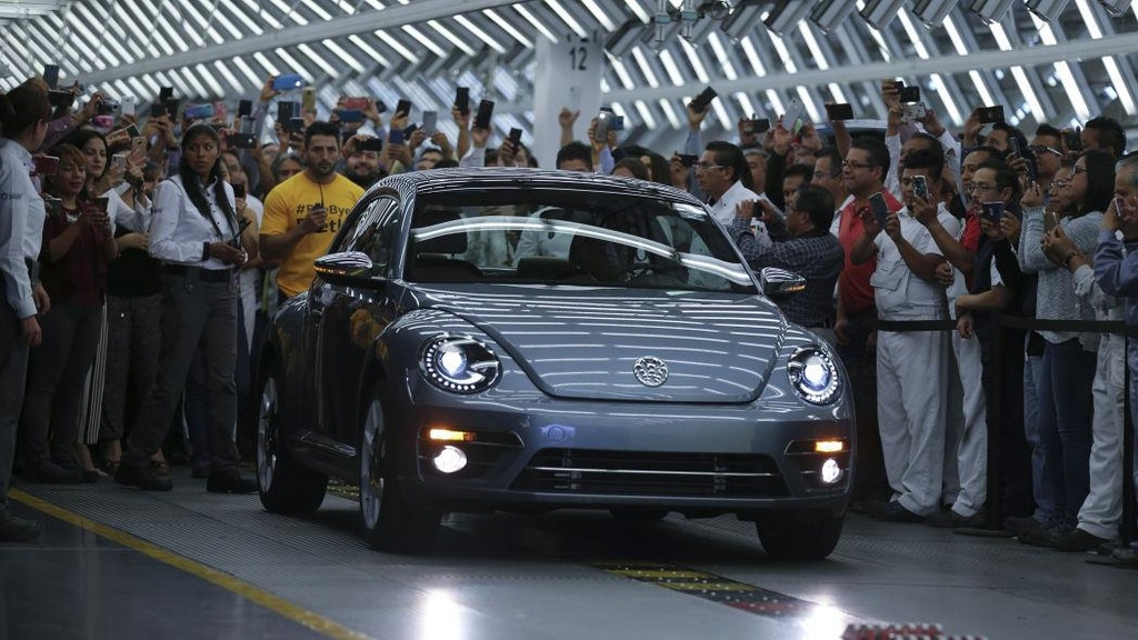 Volkswagen Beetle chiec cuoi cung xuat xuong anh 1