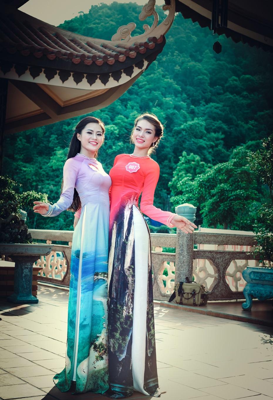 Nguoi dep Hoa hau Bien khoe dang trong ta ao dai hinh anh 4