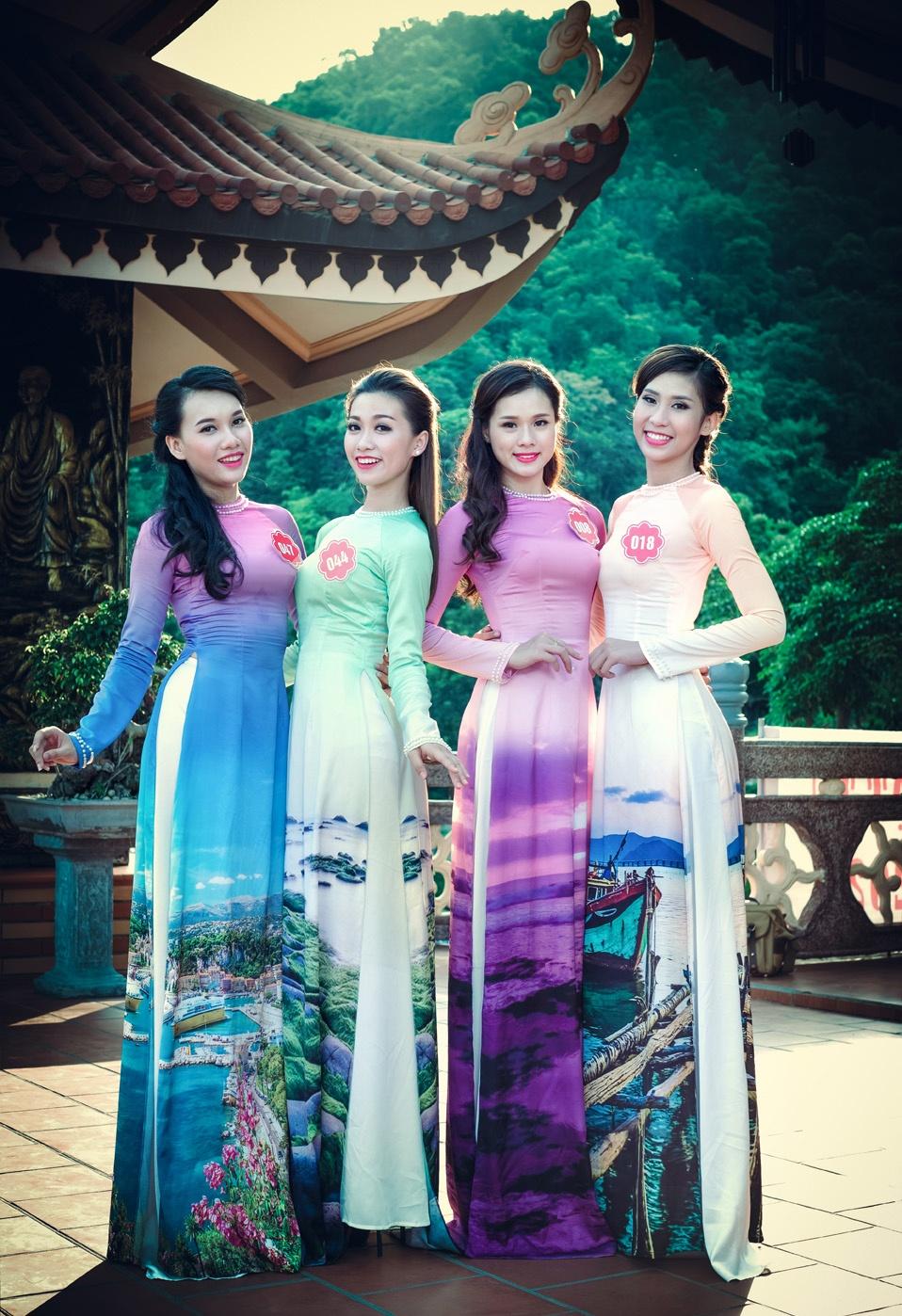 Nguoi dep Hoa hau Bien khoe dang trong ta ao dai hinh anh 6