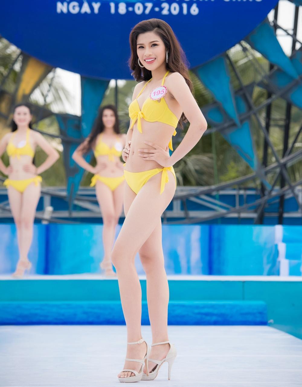 Thi sinh HHVN mac bikini thi Nguoi dep bien hinh anh 5