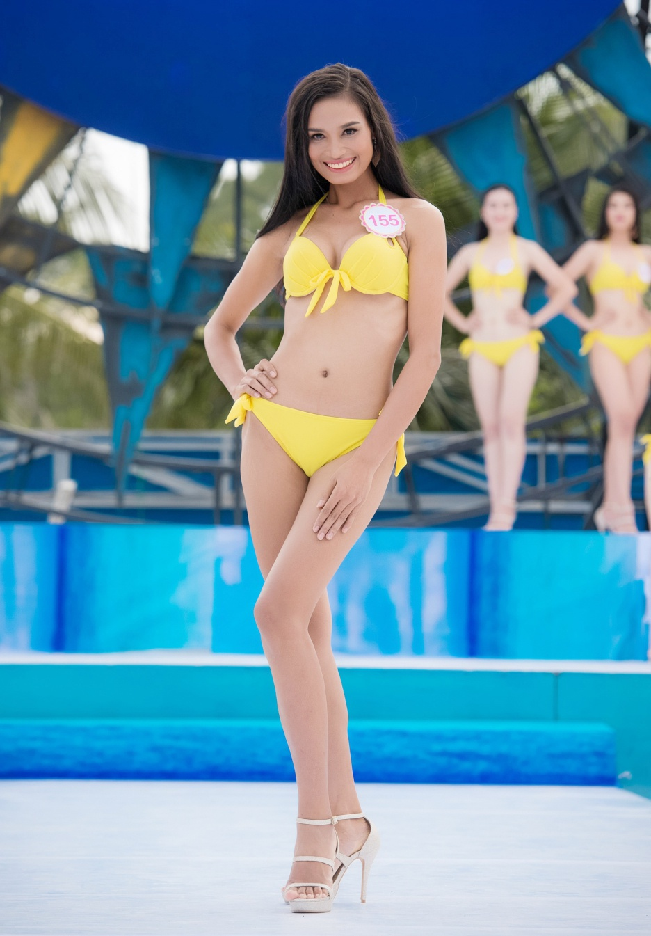 Thi sinh HHVN mac bikini thi Nguoi dep bien hinh anh 6