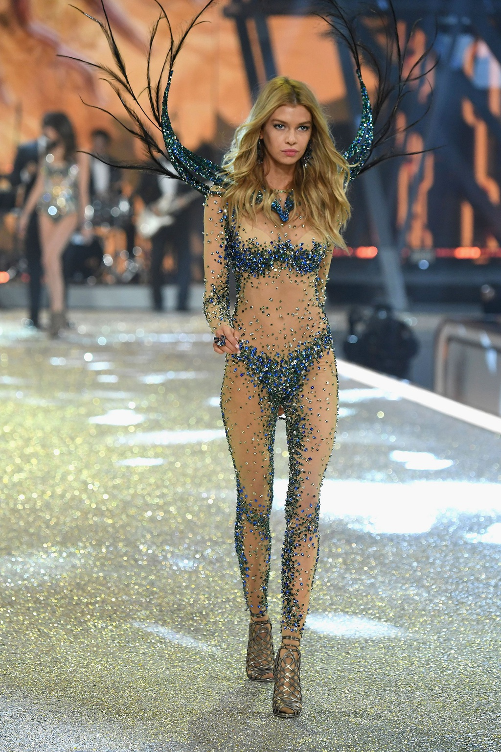 Nhung man trinh dien boc lua nhat Victoria's Secret Show hinh anh 12