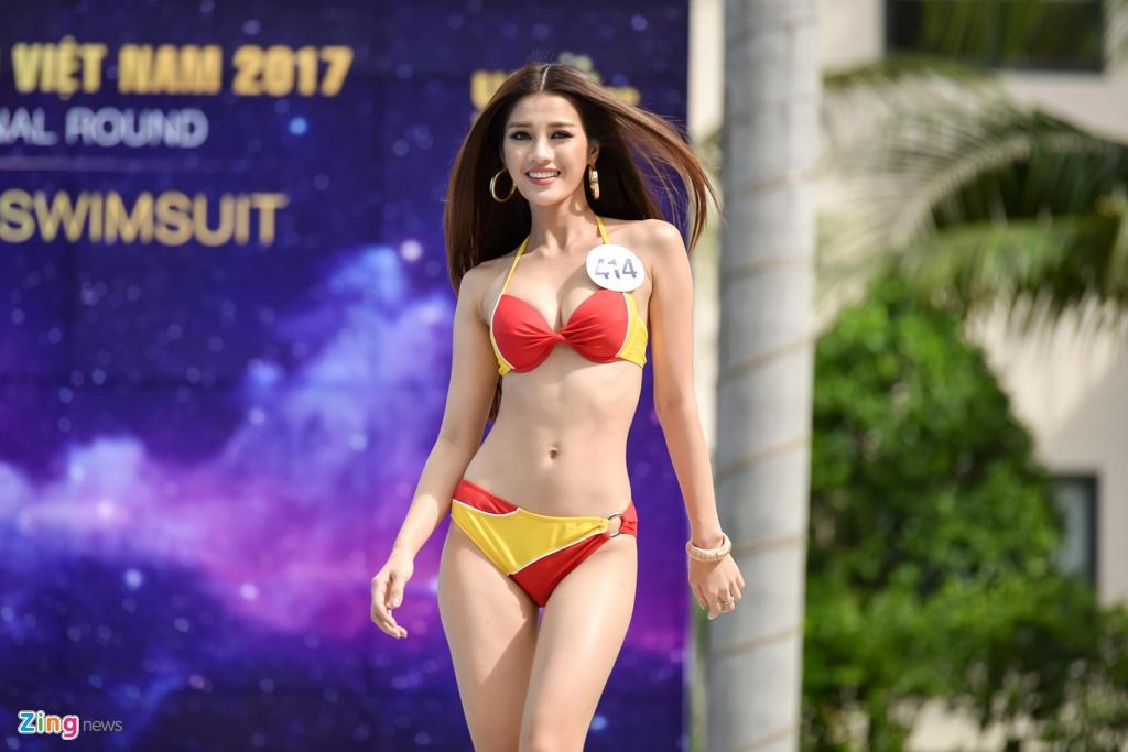 Thi sinh Hoa hau Hoan vu Viet Nam lo eo ngan mo, dui to khi thi ao tam hinh anh 8