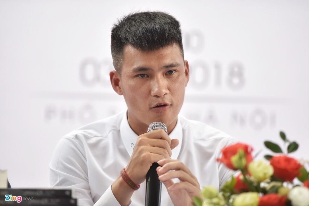 Cong Vinh: 'Goc khuat lang bong con kinh khung hon, toi chua viet' hinh anh 4
