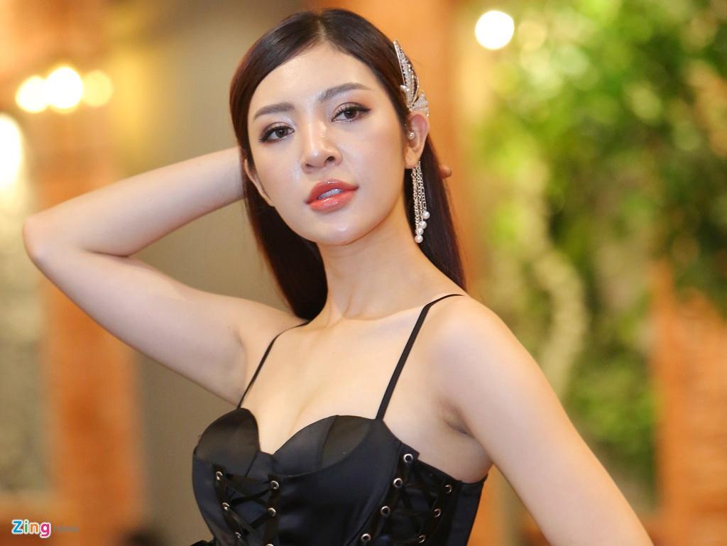 Mat moc nhot nhat cua thi sinh The Face Vietnam 2018 hinh anh 2