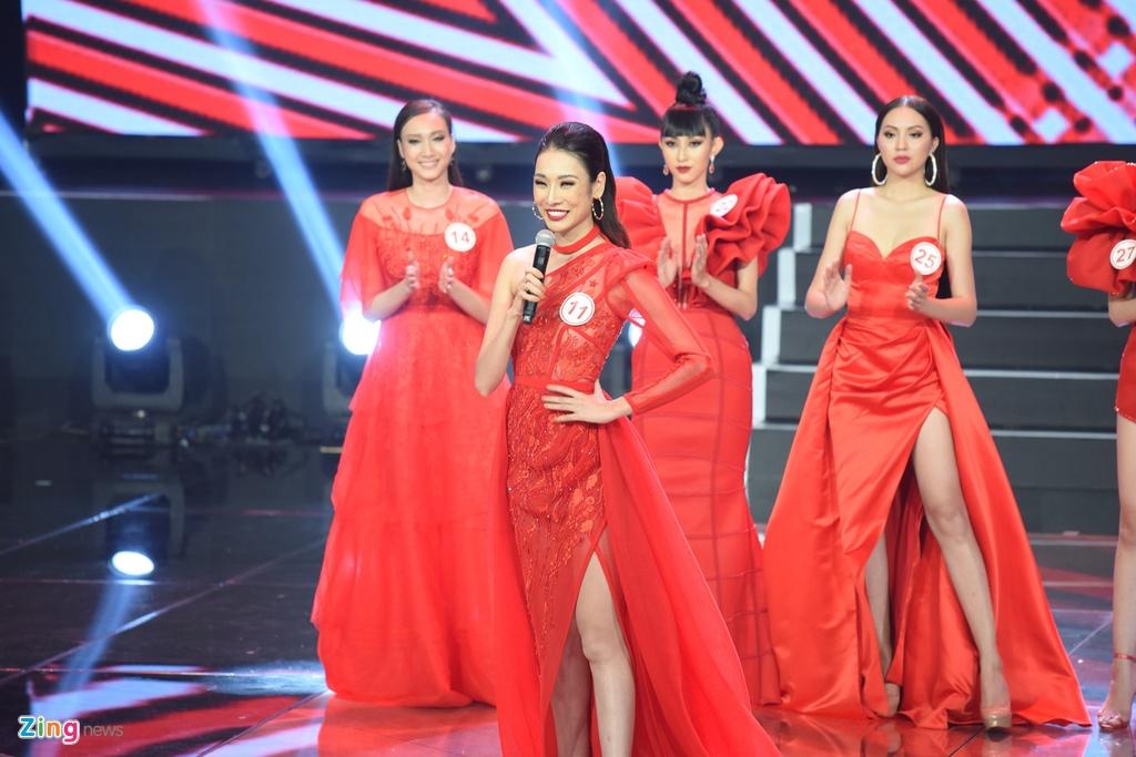 Sieu mau Viet Nam 2018: Giam khao khong chuyen, lay dau ra sieu mau? hinh anh 1