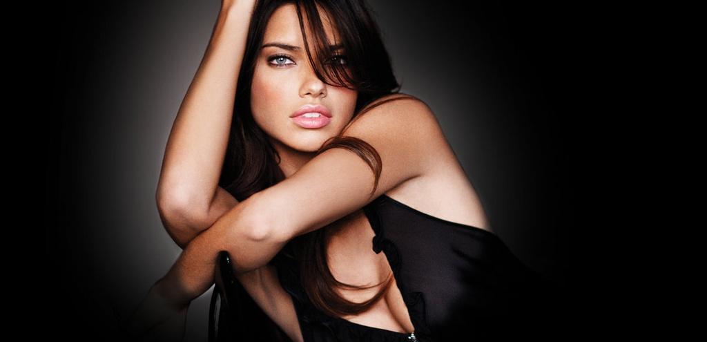 Adriana Lima - sieu mau xinh dep, khoac canh thien than 18 nam hinh anh 1