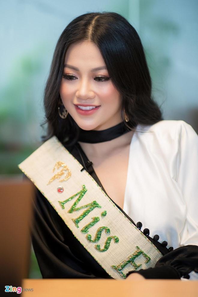 Hoa hau Trai dat Phuong Khanh anh 1