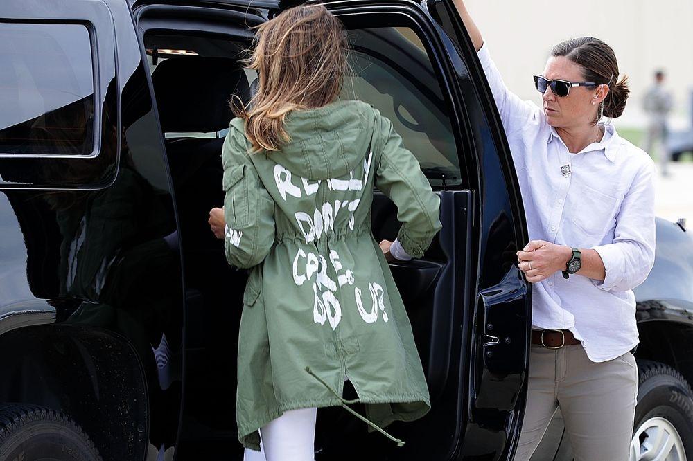 Tranh cai ve thoi trang bua vay De nhat phu nhan My Melania Trump hinh anh 11