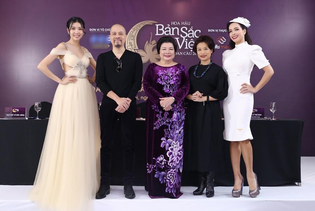 Hoa hau Ban sac Viet toan cau 2019 anh 1