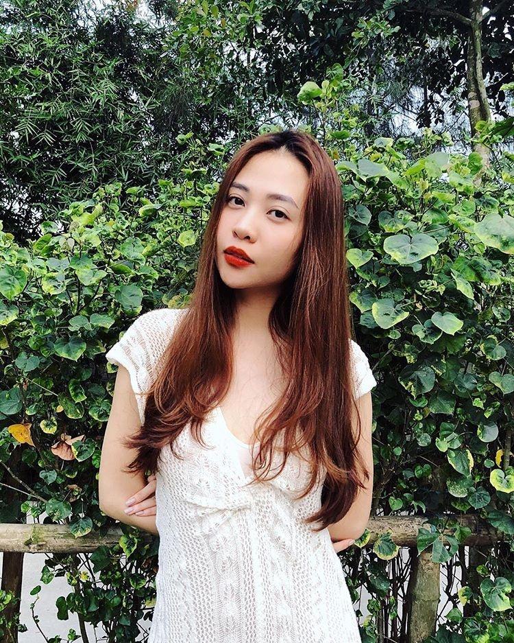 Phong cach thoi trang don gian va ca tinh cua nguoi dep Dam Thu Trang hinh anh 11