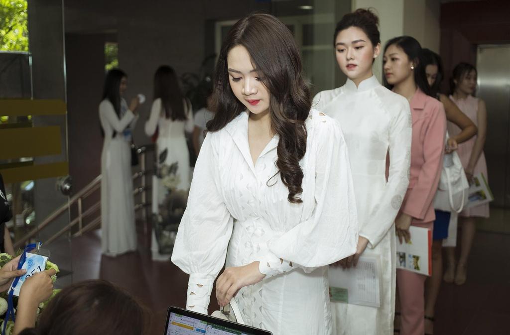 Dan thi sinh 10X du thi Hoa hau The gioi Viet Nam 2019 hinh anh 3