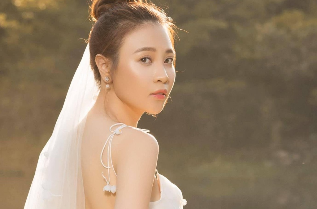 Dam Thu Trang - chan dai khien ga dao hoa Cuong Do La dung buoc hinh anh 2