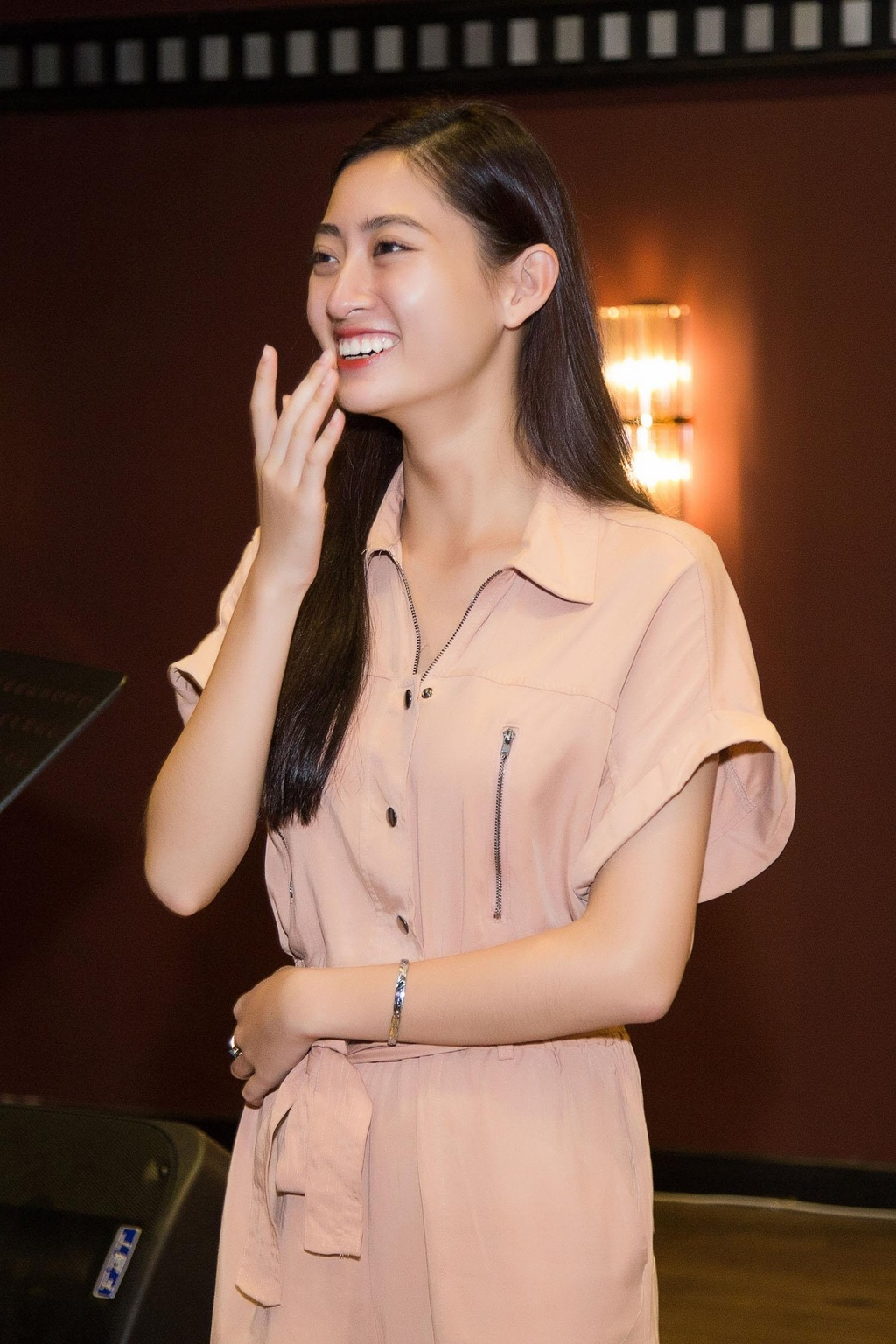Hoa hau Luong Thuy Linh sinh nhat anh 3