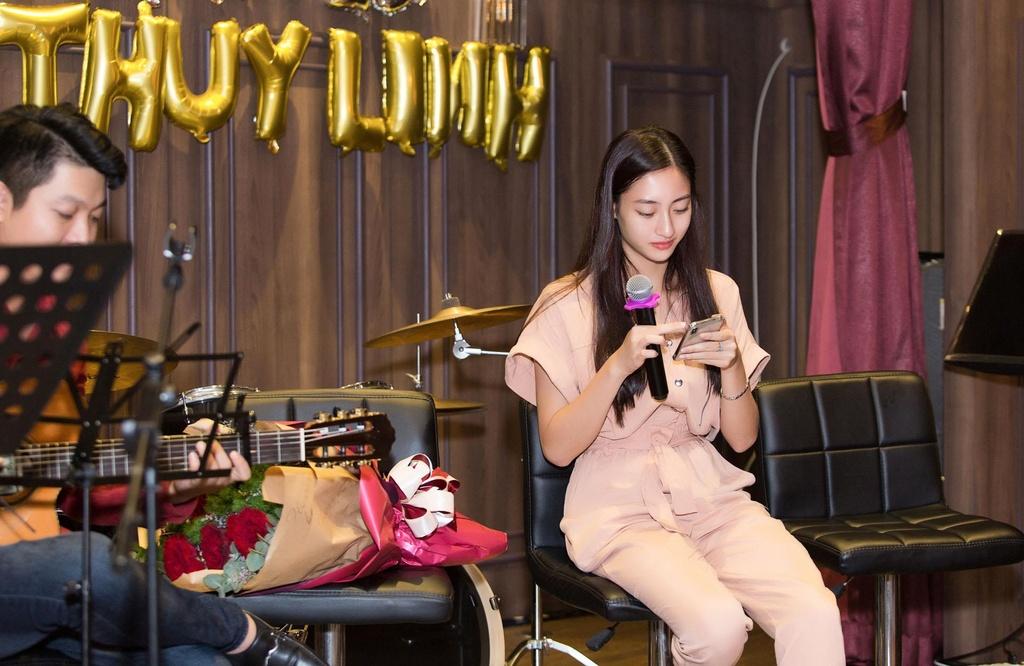 Hoa hau Luong Thuy Linh sinh nhat anh 4