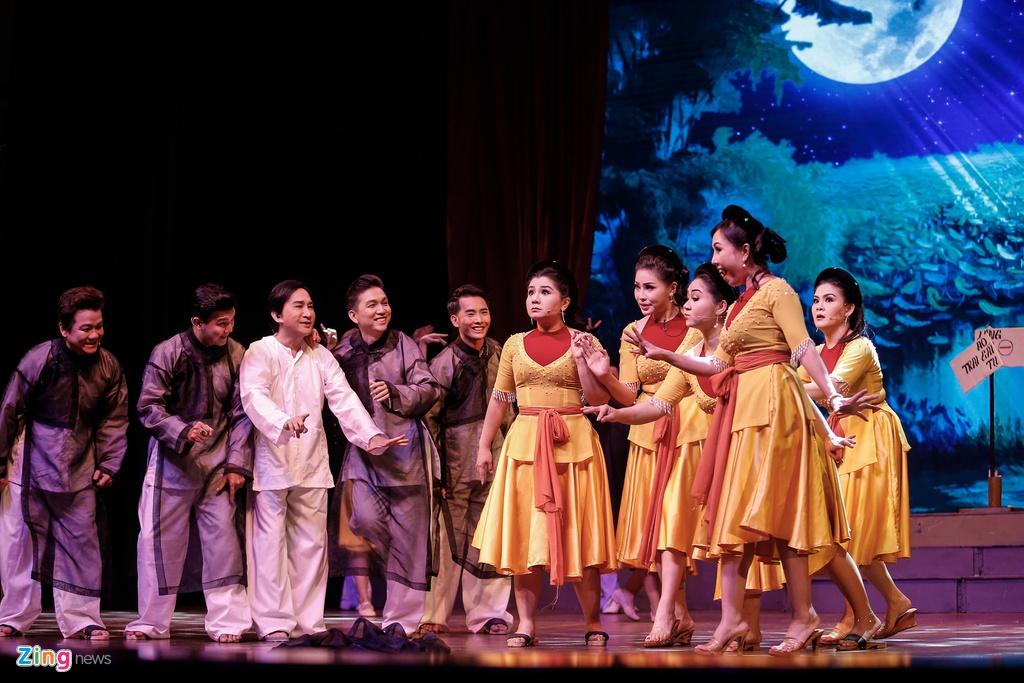 Kim Tu Long Ngoc Huyen live show Ha Noi anh 2