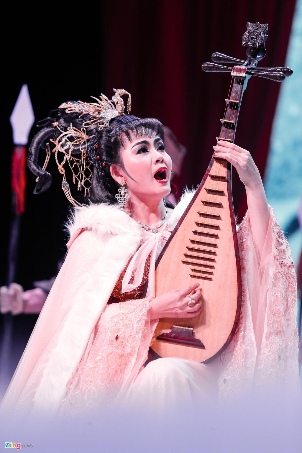 Kim Tu Long Ngoc Huyen live show Ha Noi anh 13