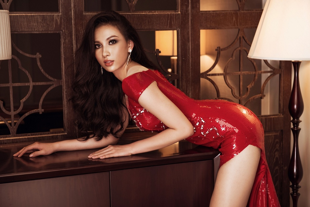 Top 45 Hoa hau Hoan vu Viet Nam khoe voc dang voi dam da hoi hinh anh 10